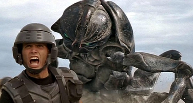 paul-verhoeven-starship-troopers-1997-film-review-kritik