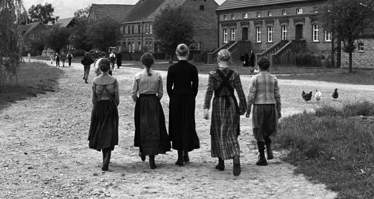 Kritik: Das weiße Band – Eine deutsche Kindergeschichte (DE/AU 2009)